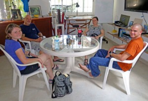 Pre-dive planning with Bill, Trish, Monica & Jeff.